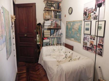 The entrance of the apartment in San Telmo