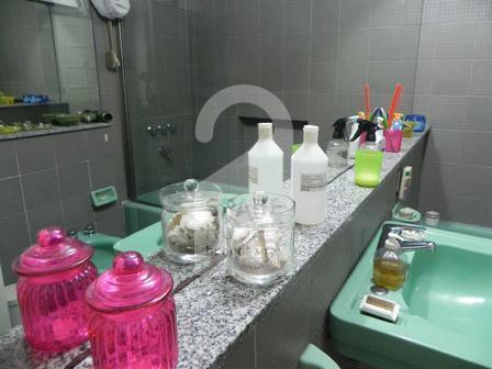 The bathroom at the apartment in San Telmo