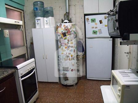 The kitchen at the apartment in Villa Crespo