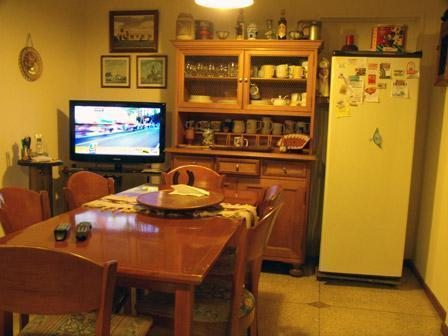 The kitchen at the apartment in Almagro