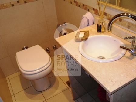 The private bathroom at the apartment in Belgrano.