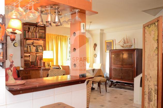 A  supercool and elegant bar in the house of Almagro.