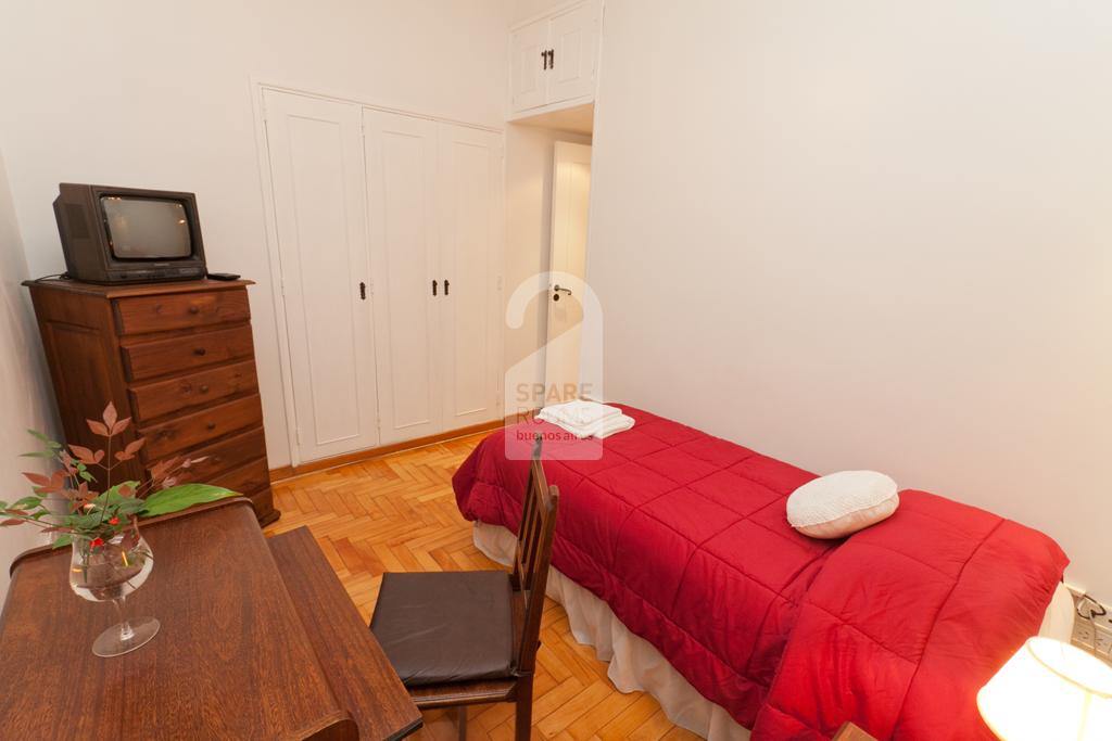 Room for one person in the apartment of Palermo Hollywood.
