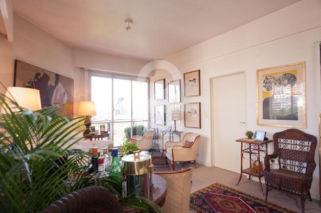 Elegant living room in Palermo