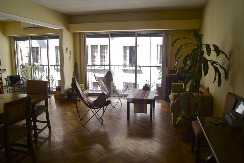 The living room at Recoleta apartment