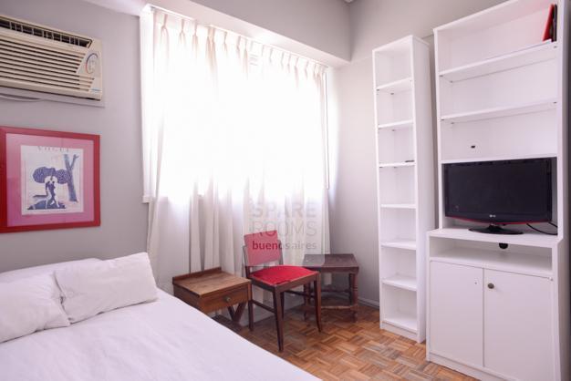 TV�s room