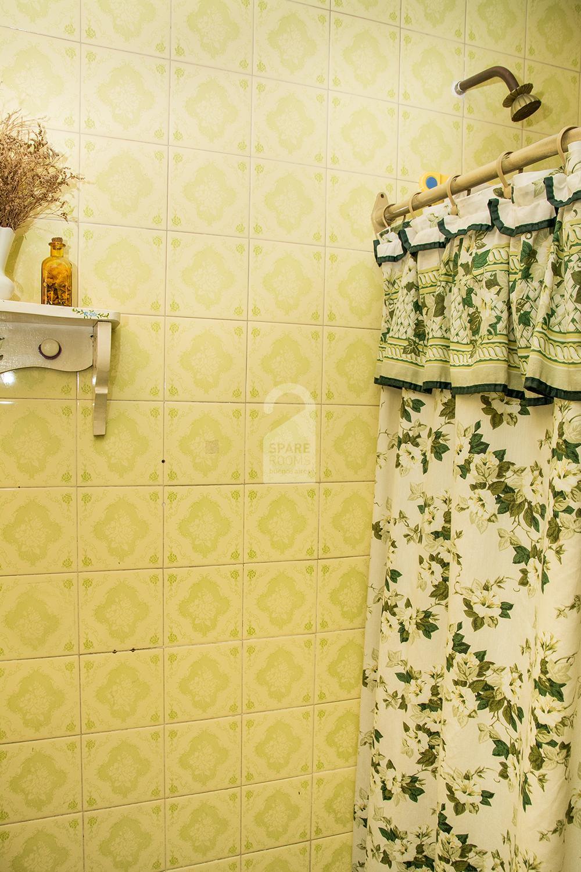 The private bathroom at the apartment in Belgrano