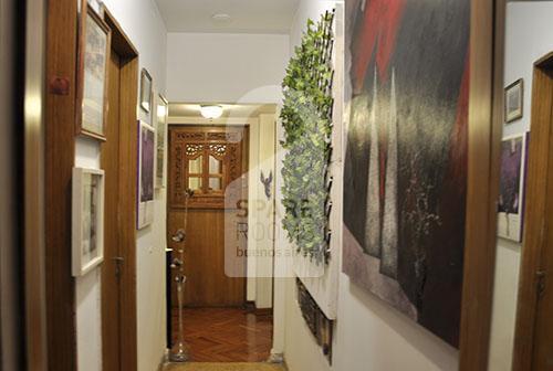 Vista del pasillo de entrada al departamento.