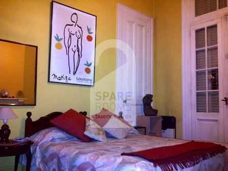 The room with double bed at the apartment in San Telmo